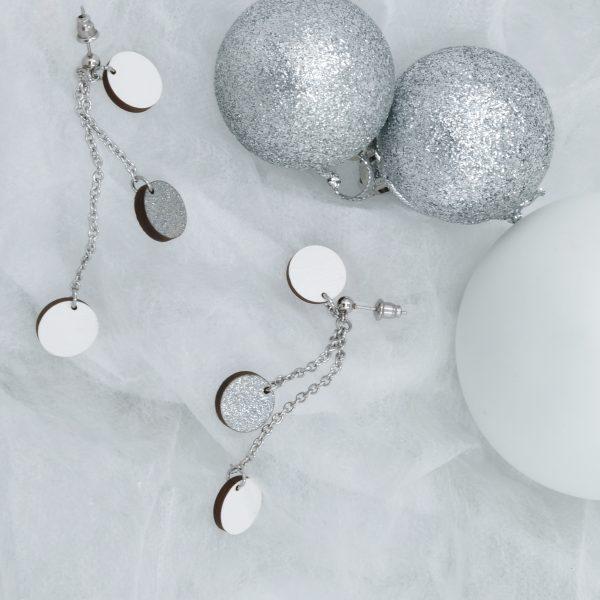 Sannincon valkoiset puusta valmistetut Lumi korvakorut valkoinen/glitter