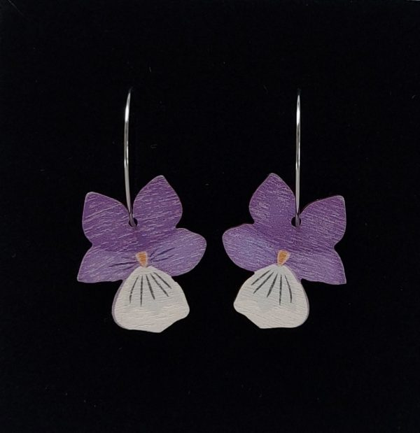 Sannincon violetti Keto-orvokki korvakoru renkaalla